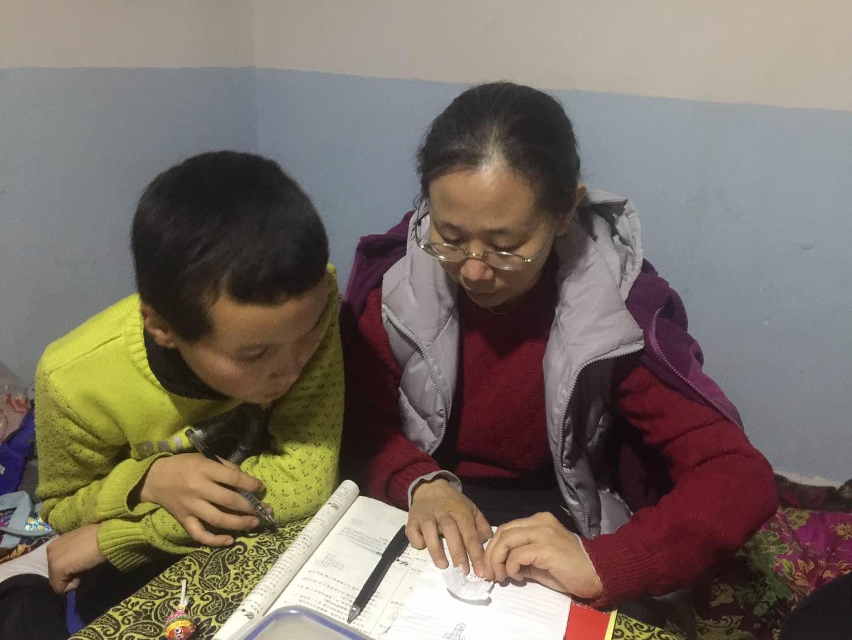 """【民族团结""""结亲周""""活动·掠影】-新疆大学红湖网"""